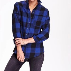 NWT Old Navy Black & blue flannel button up top M